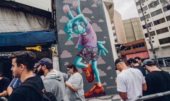 NIke Airmax graffiti store Brésil